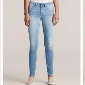 H&M LIightwash skinny jeans